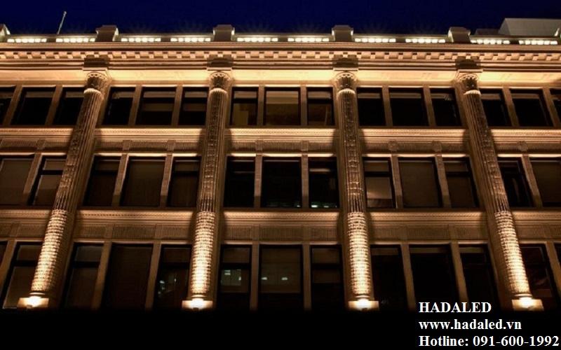 chiêú sáng trang trí tòa nhà
