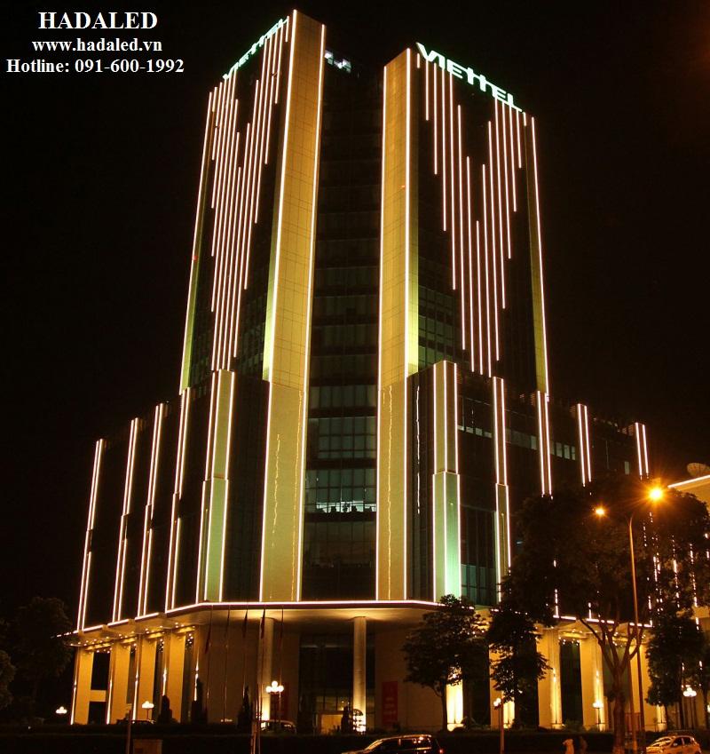 chiếu sáng mặt đứng tòa nhà